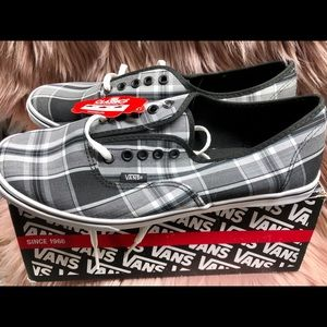 Brand New men's Vans sneakers